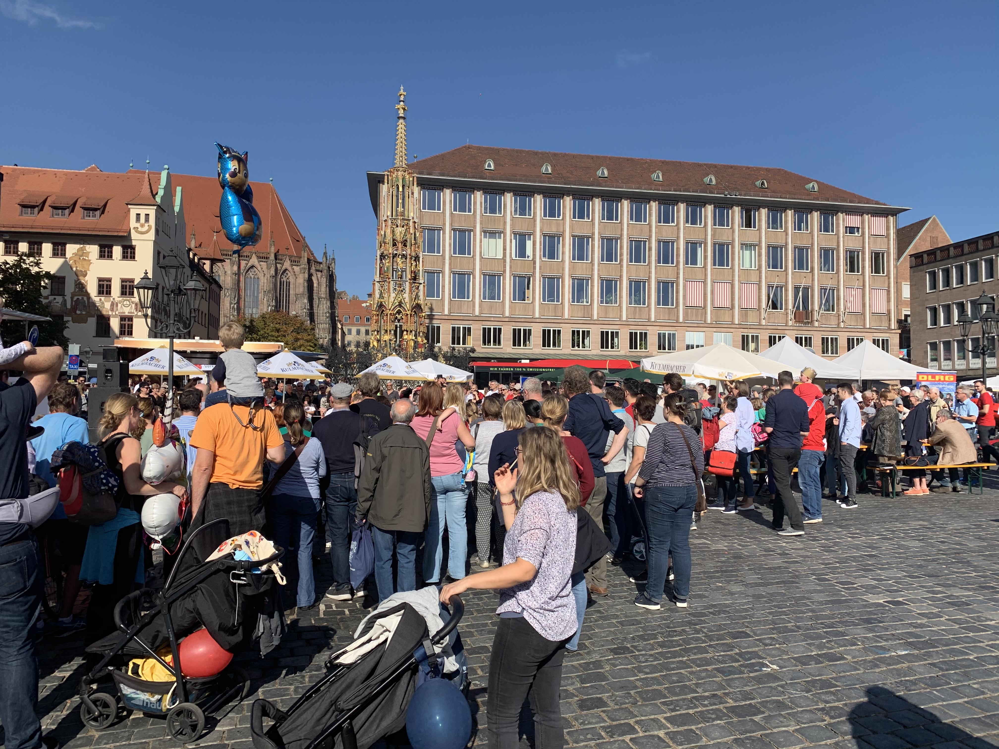 nürnberg_frauenkirche_marktplatz_stadt