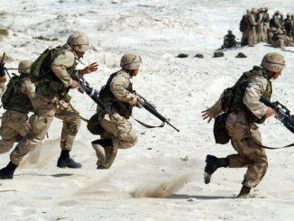 krieg_kriegseinsatz_soldaten_soldat_wüste_sand_waffe_waffen