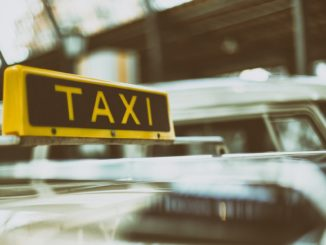 taxi_fahrzeug_pkw_auto_verkehrsmittel