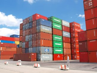 container_hafen_import_export_shipping