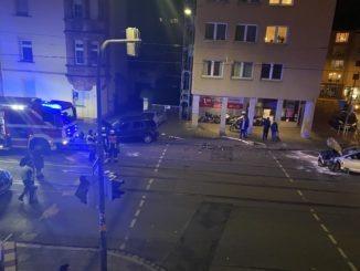 verkehrsunfall_adamstr_nürnberg_sulzbacherstr_schwer_polizei