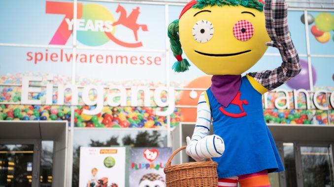 Spielwarenmesse2019_sw0129_eingang_ost_messe_nürnberg