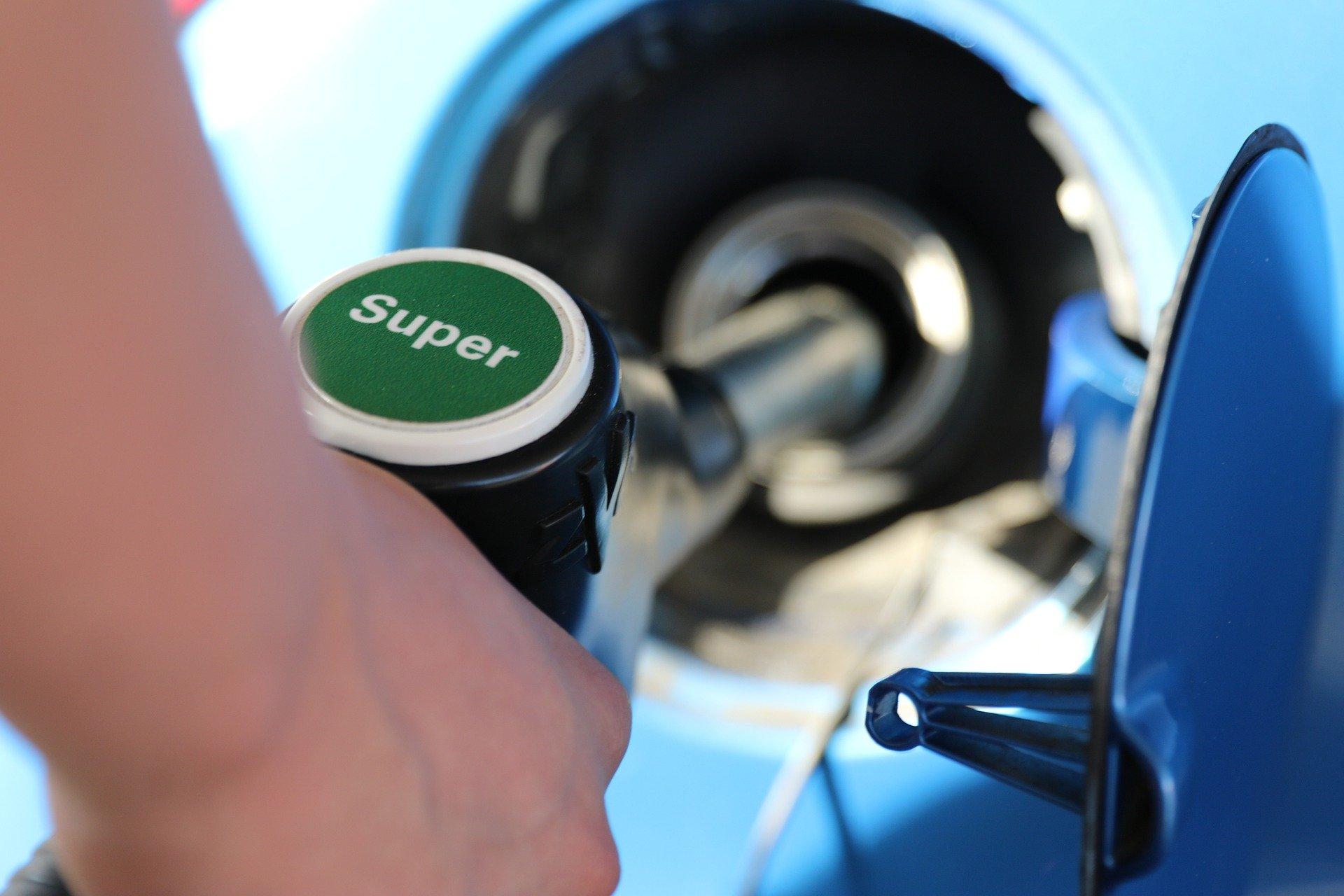 tanken_tankstelle_sprit_benzin_diesel