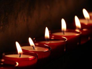 trauer_trauerzug_trauerkerze_kerze_candle_light_flamme