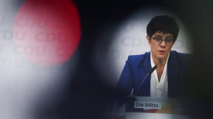 politik_angela merkel_akk_kramp-karrenbauer_annegret kramp karrenbauer_rückzug_cdu_verteidigungsministerin