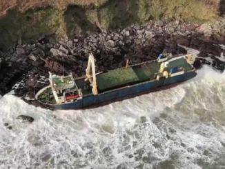 sturm_dennis_geisterschiff_irische küste_hochwasser