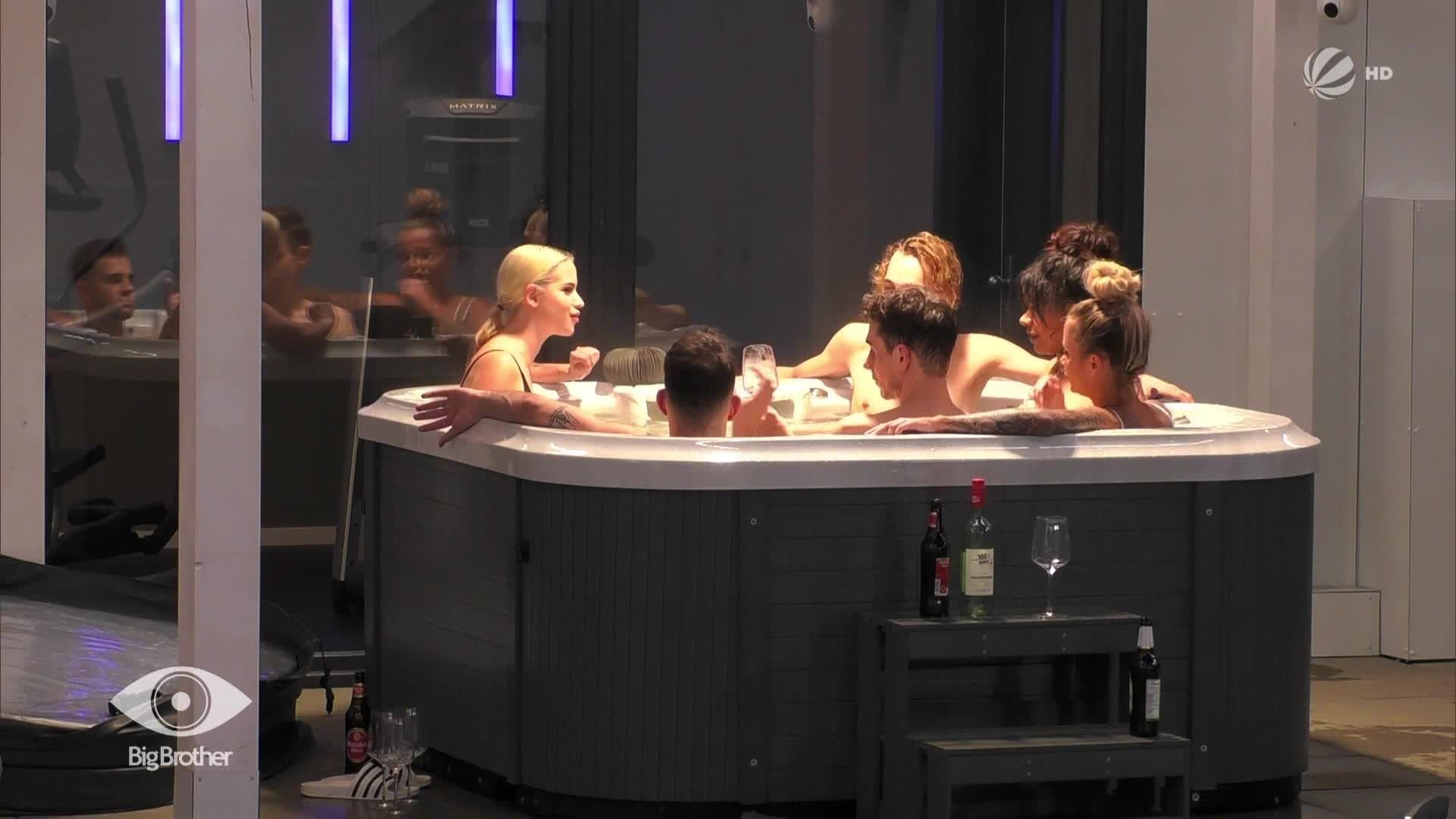 whirlpool_party_sex