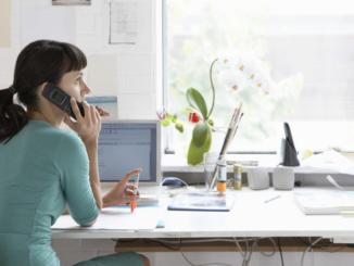 In Zeiten von Corona arbeiten viele Menschen zu Hause. - sirtravelalot/Shutterstock