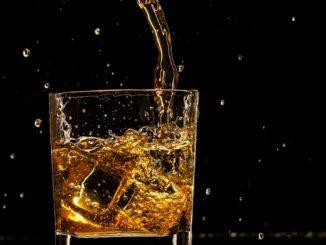 Symbolbild: Glas Whiskey