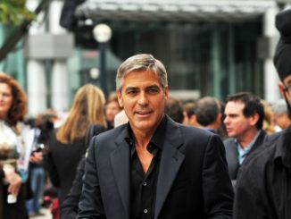 George Clooney - Bild: Michael Vlasaty, CC BY 2.0, via Wikimedia Commons
