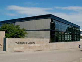Thüringer Landtag - Bild: Alupus, CC BY-SA 3.0, via Wikimedia Commons
