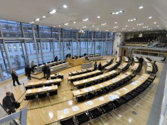 Plenarsaal des Landtags Sachsen-Anhalt - Bild: Ra Boe / Wikipedia